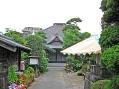 龍慶寺本堂