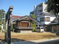 綾瀬稲荷神社神楽殿