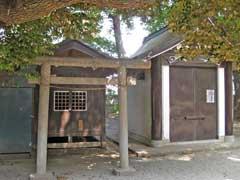 舎人氷川神社多賀神社