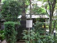 願行寺宝篋印塔