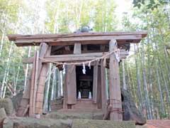 中峠水神社