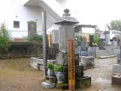 選択寺こうもり安の墓