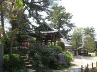 善養寺かねつき堂と横綱山
