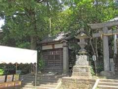 浅間神社わらじ石