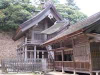 神魂神社拝殿左斜め