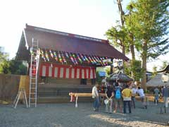 高部屋神社神楽殿