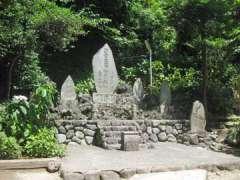 境内社御嶽山神社など