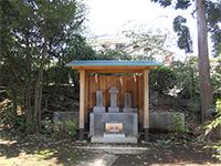 日枝神社境内石塔
