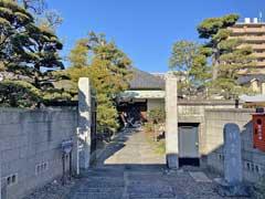 祥雲寺山門と本堂