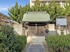 阿弥陀三尊来迎月待供養碑の蔵