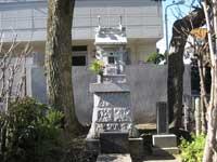 堀切氷川神社傍にある第六天神社