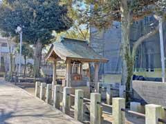 岩淵八雲神社水神社
