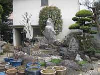 東覚寺境内