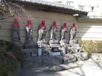 霊巌寺六地蔵