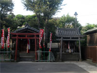 境内社子育熊野神社、稲荷神社