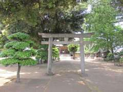 瓦葺氷川神社鳥居
