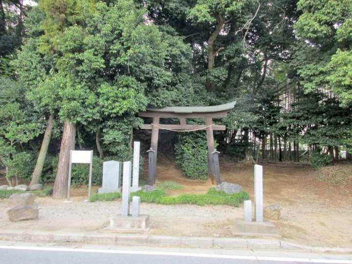 戸崎の富士浅間塚