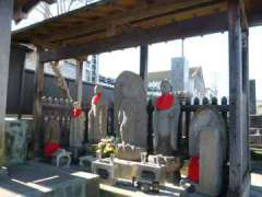 一乗院閻魔堂石像群