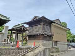六塚稲荷神社神楽殿