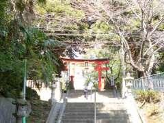 峯ヶ岡八幡神社鳥居