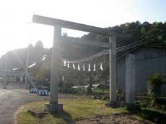 二柱神社参道と一鳥居