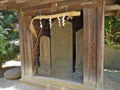 谷口稲荷神社石塔
