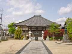 寳泉寺本堂