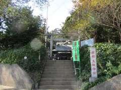 三輪神社鳥居