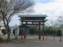 氷川神社(高倉)鳥居