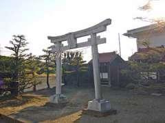 三社稲荷神社鳥居