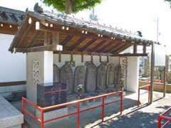 泉蔵院六地蔵