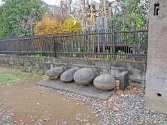 谷口稲荷神社力石