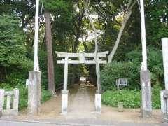 喜多見氷川神社鳥居