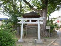 喜多見須賀神社鳥居