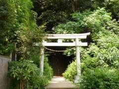岡本八幡神社鳥居