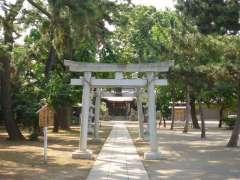 宇奈根氷川神社鳥居
