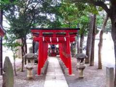 境内社威徳稲荷神社