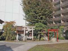 境内社鳴子稲荷神社