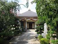 戒行寺本堂