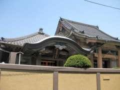 実相寺本堂と熊谷稲荷堂