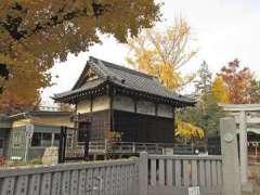 三囲神社道路側の鳥居