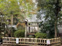 三囲神社神楽殿