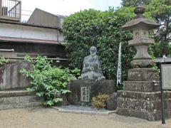 西光寺観音堂近藤勇像