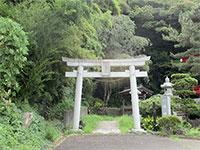 三沢八幡神社鳥居