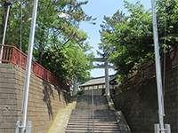 鶴間熊野神社鳥居