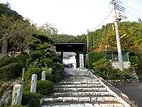梅岩寺山門