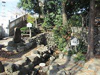 宮沢諏訪神社の湧水