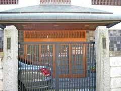 香教寺山門