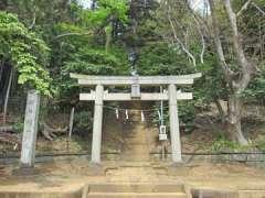 新吉田杉山神社鳥居