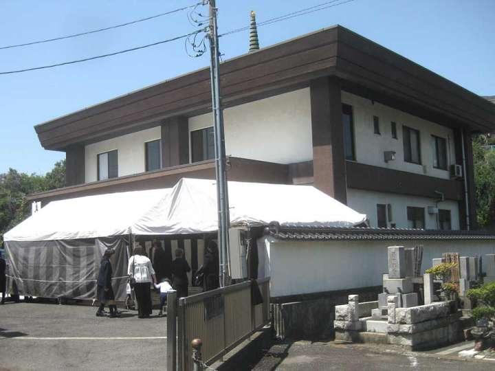 円満寺霊堂
